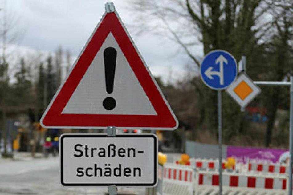 357 Schilder warnen in Dresden vor Straßenschäden, ergab eine Anfrage von  Linken-Chef André Schollbach (38).
