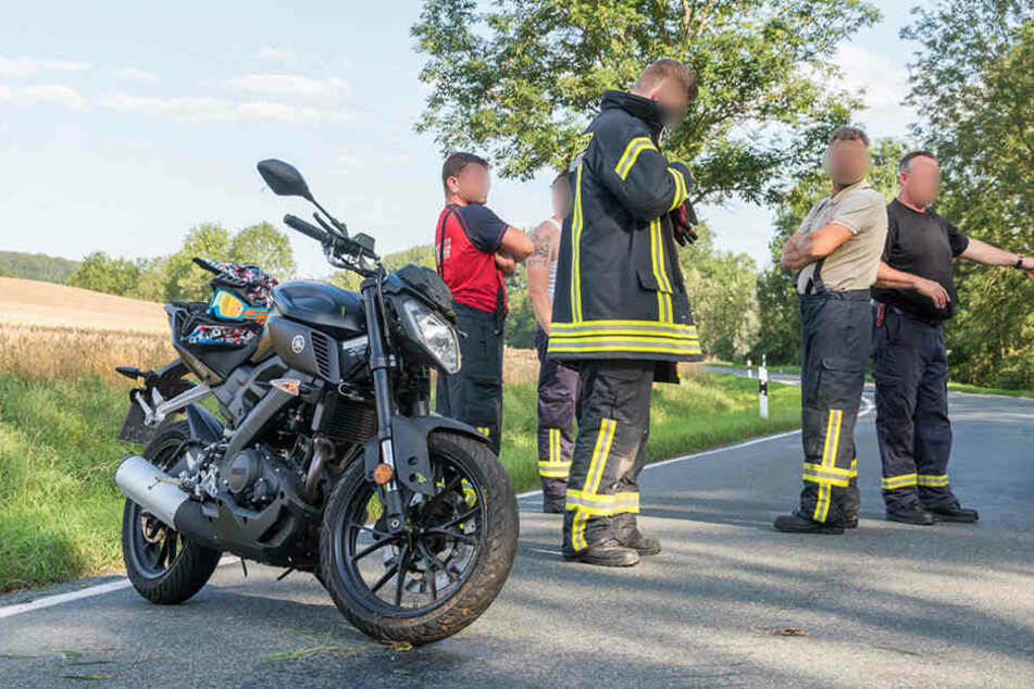 Die Yamaha war bei dem Unfall in den Straßengraben geflogen.