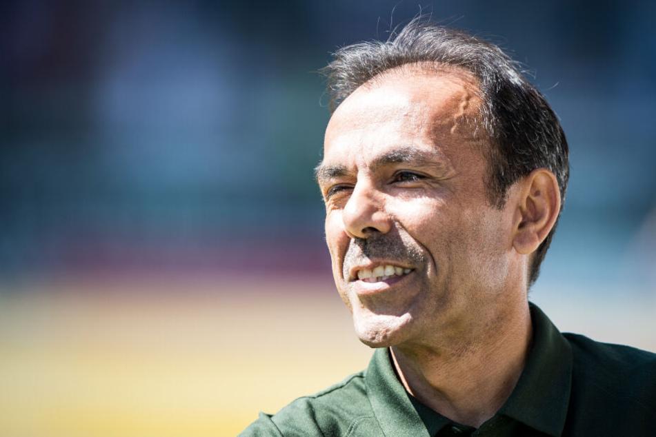 Los Luhukay strebt gegen Dynamo seinen zweiten Sieg als St. Pauli-Trainer an.