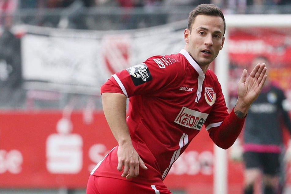 Ronny Garbuschewski (31) kommt von Ligakonkurrent Hansa Rostock und erhält beim FSV Zwickau einen Ein-Jahres-Vertrag.