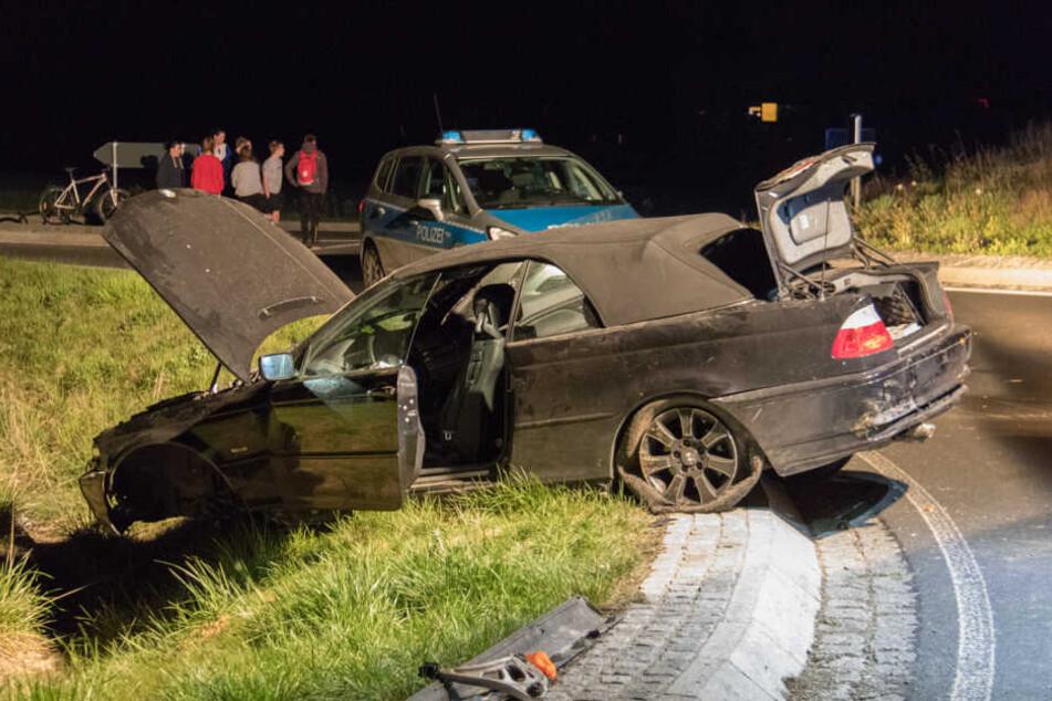 Unfall gibt Polizei Rätsel auf, Opfer gehen auf Ersthelfer los