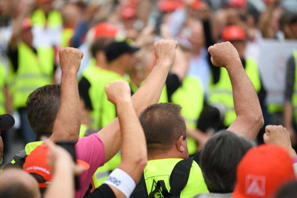 Am Donnerstagmittag starten die Beschäftigen von Neue Halberg Guss einen Flashmob in der Leipziger Innenstadt.