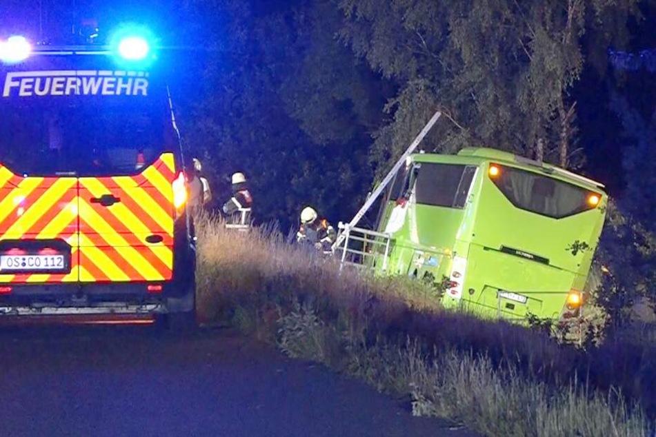 Unglück auf Autobahn: Sieben Verletzte bei Flixbus-Unfall auf A1