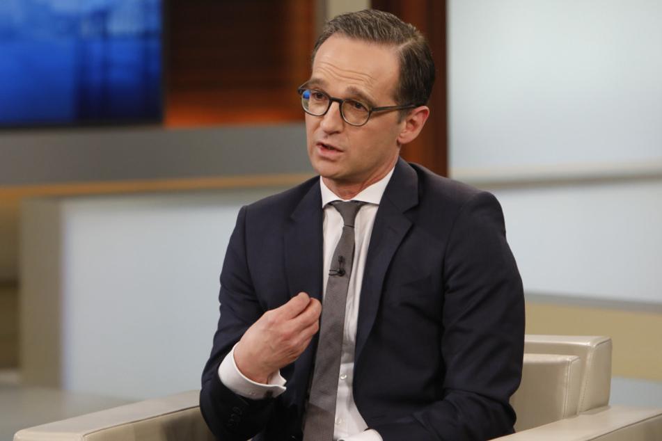 Bundesjustizminister Heiko Maas erhöht den Druck auf die Betreiber sozialer Netzwerke.