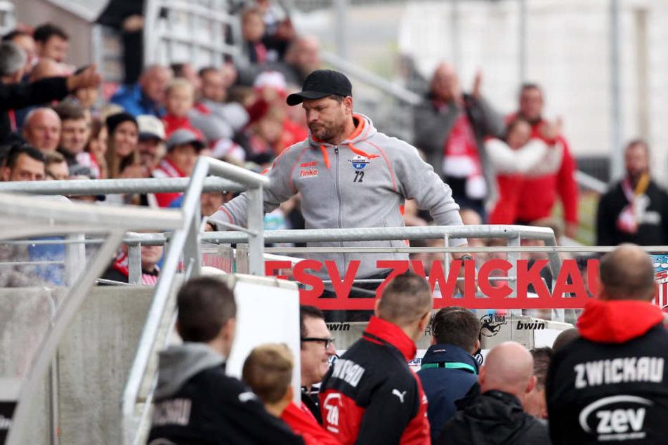 Steffen Baumgart hatte sich im Hinspiel mit dem Schiedsrichter angelegt.