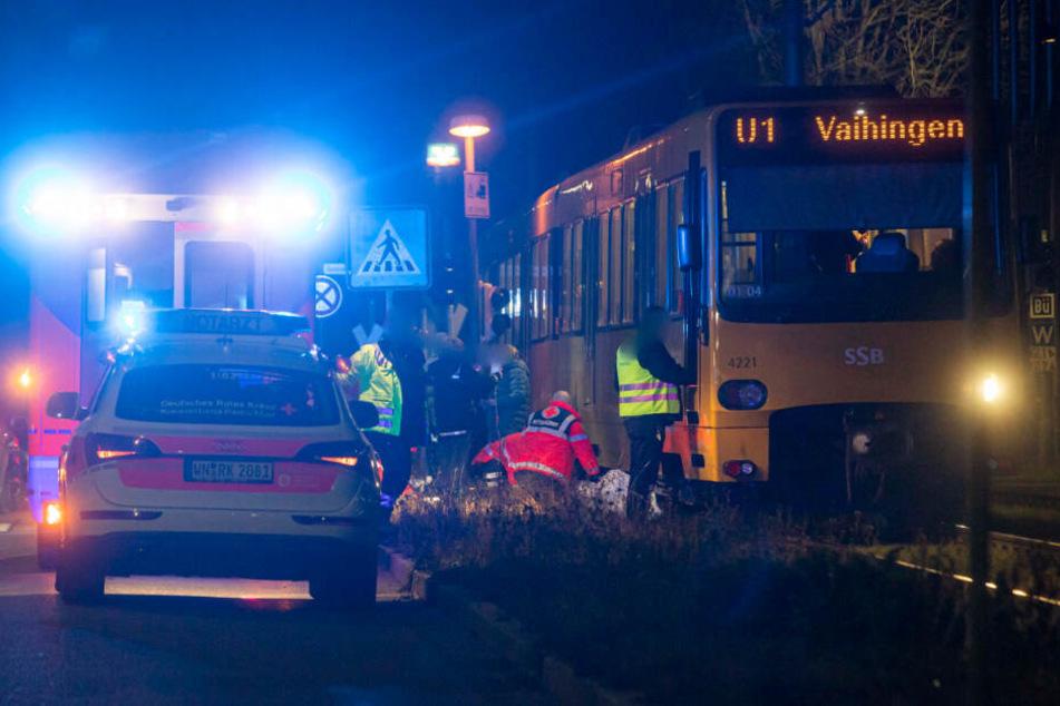 Schwerer Unfall in Fellbach: Person von Stadtbahn erfasst!