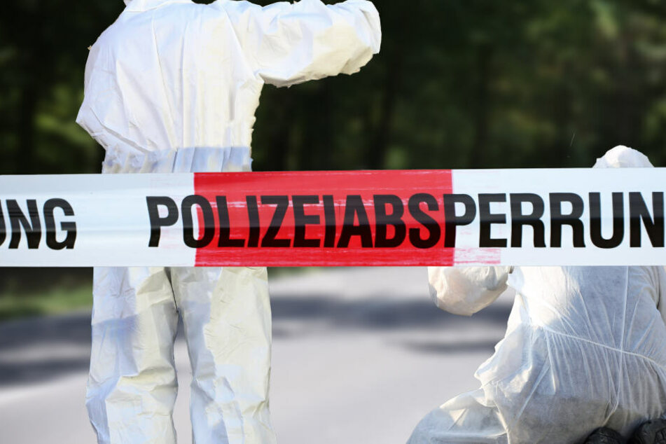 Mann tot unter Terrasse entdeckt: Er wurde seit 2001 vermisst!