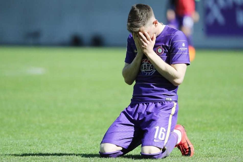 Nach dem Anpfiff sank Mario Kvesic auf die Knie und nahm die Hände vor Gesicht. Der Siegtreffer war für ihn Erleichterung pur.