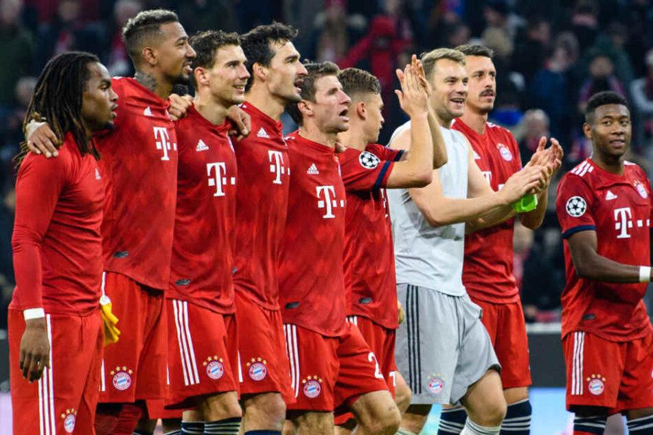 Die Mannschaft des FC Bayern München dürfte sich im Sommer verändern. (Archivbild)