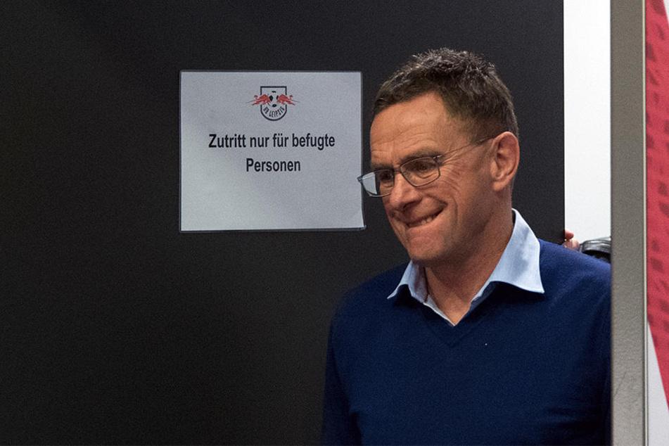 RB Leipzigs Sportdirektor erklärte nach dem Hannover-Spiel, dass man die Gespräche mit Trainer Ralph Hasenhüttl fortsetzen wolle. (Archivbild)