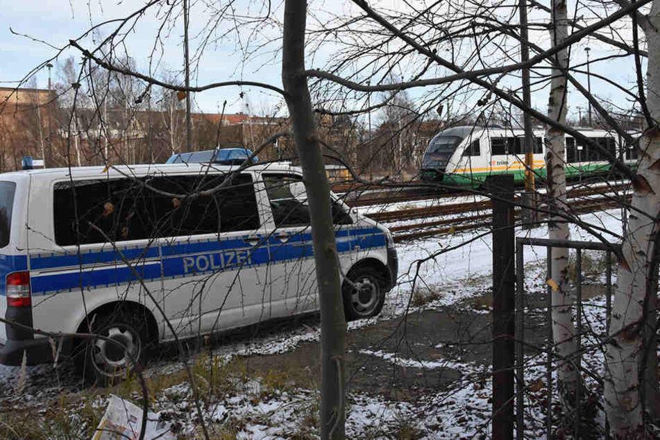 Für den gefährlichen Eingriff in den Bahnverkehr ist ein Jugendlicher verantwortlich.