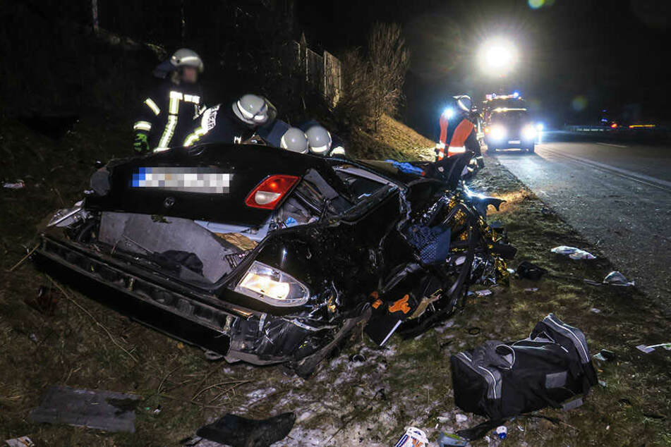 Ein Mercedes überschlug sich mehrfach.