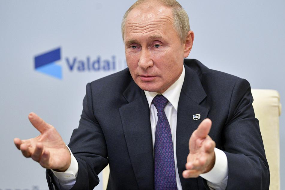 Russlands Präsident Wladimir Putin (68) sieht keinen Grund, weshalb sein Gegner Alexey Nawalny vergiftet werden sollte.