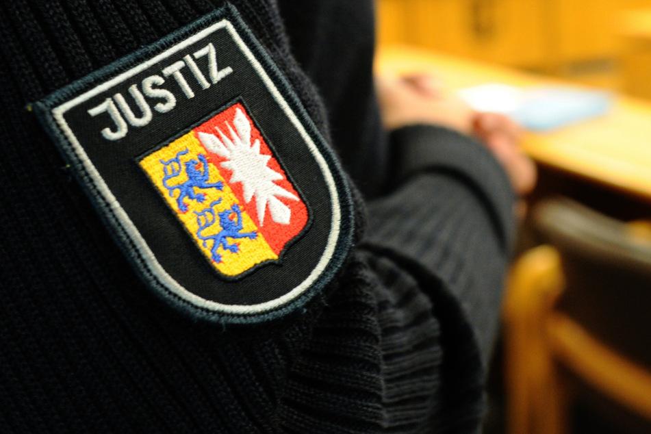 Der Angeklagte muss mit einer Jugendstrafe rechnen. (Symbolbild)