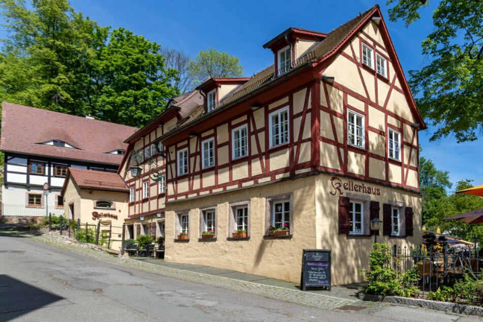 """Corona-Aufschlag: Das """"Kellerhaus"""" kassiert im Moment zwei Euro extra pro Tisch."""