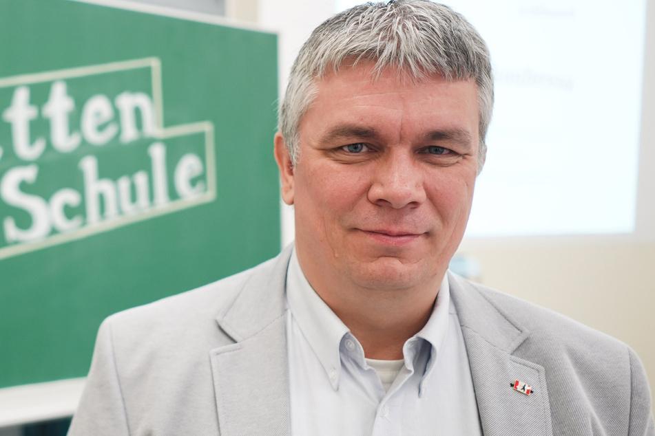 Norman Heise, der Vorsitzende des Berliner Landeselternausschuss, fordert die Wiederöffnung der Schulen.