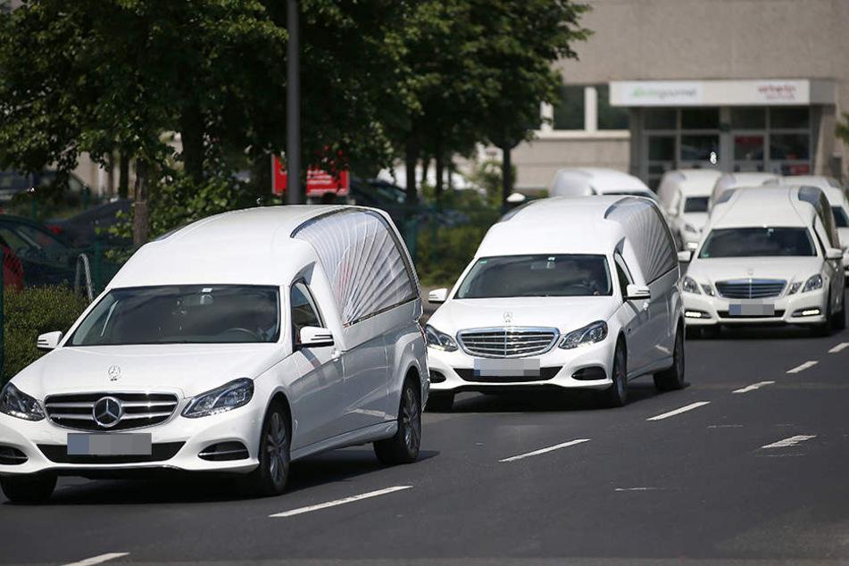 Am 3. Juni rollt eine etwas kuriose Leichenwagen-Demo durch Leipzig (Symbolbild).