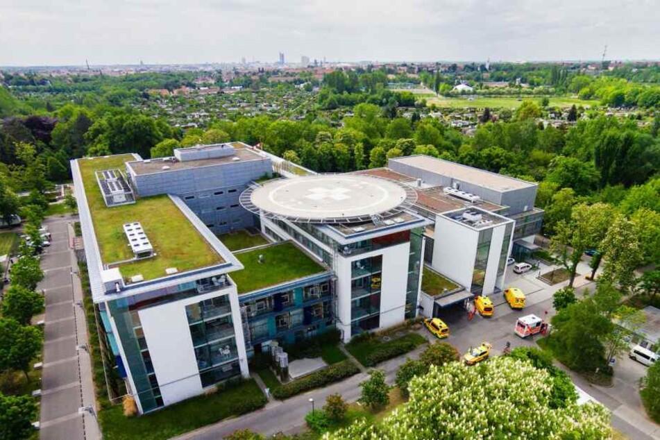 Blick auf das Klinikum St. Georg in Leipzig. Hier werden unter anderem die Operationen an von Genitalverstümmelung betroffenen Mädchen und Frauen vorgenommen.