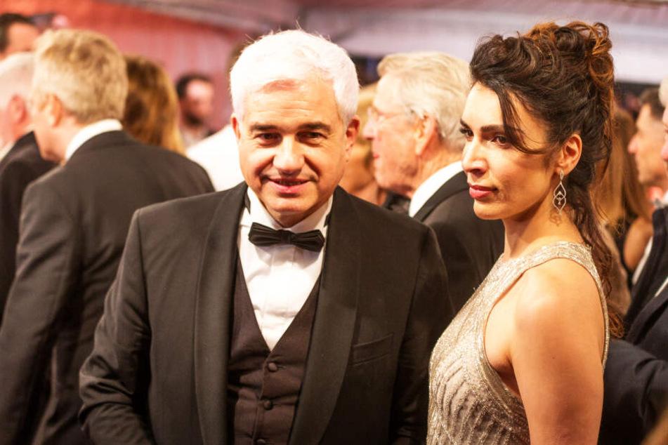 Ballchef Hans-Joachim Frey (54) mit seiner Frau.