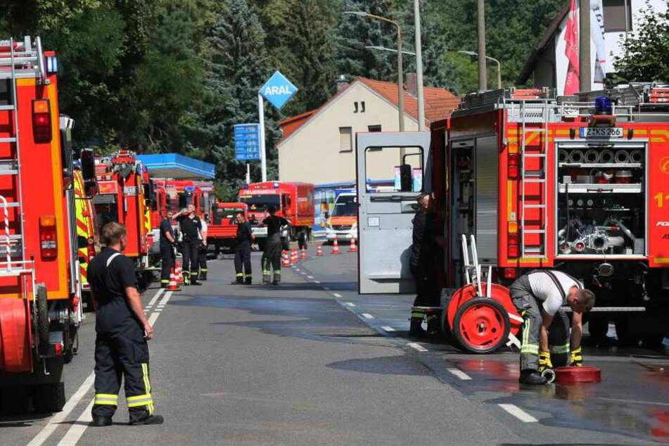 Durch den Feuerwehreinsatz kam es zu Behinderungen auf der Wildenfelser Straße.