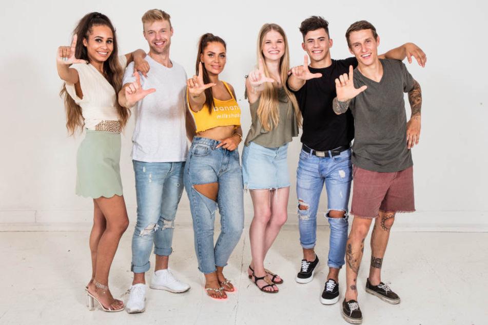 """Angie, Dennis, Yvonne, Stella, Dustin und Rico hoffen, dass sie weiter für """"Leben. Lieben. Leipzig"""" drehen dürfen."""