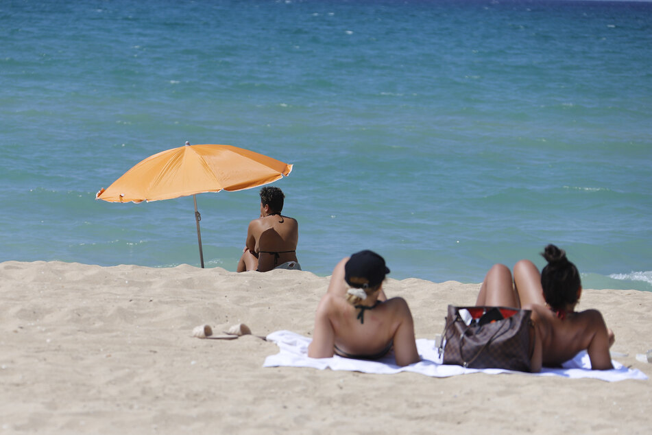 Trotz Reisewarnung nach Mallorca an den Strand: Das kann teuer werden!