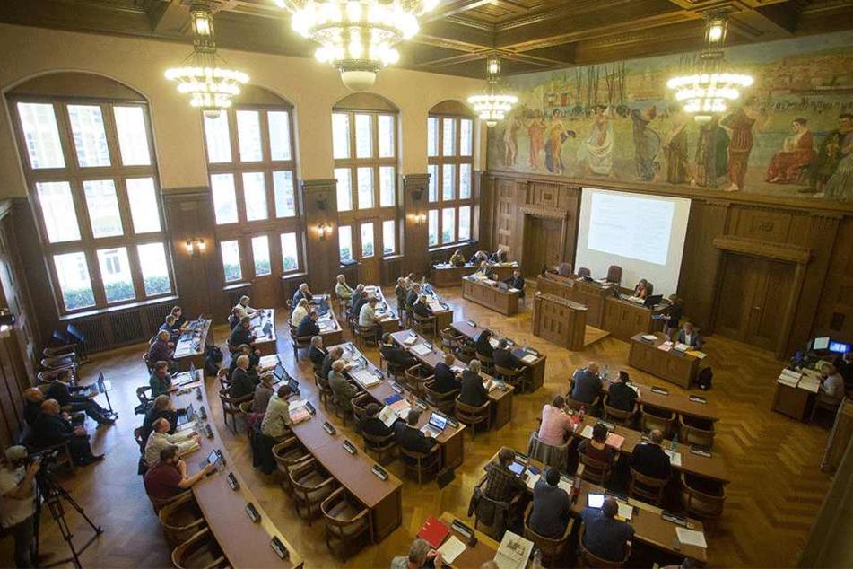 CDU und FDP wollen im Stadtrat mit einem Beschlussantrag Extremisten von links und von rechts den Kampf ansagen.