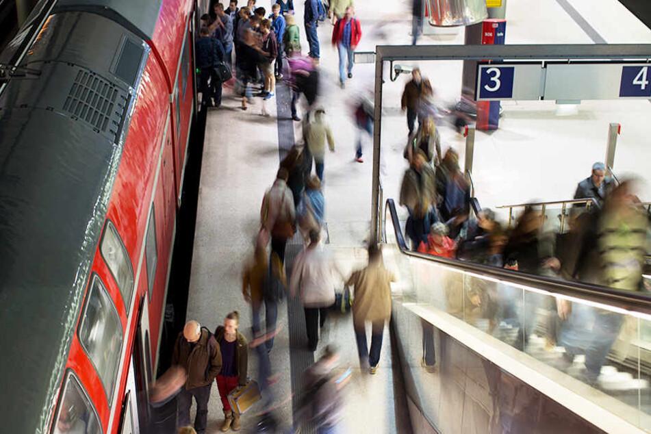Damit Pendler stressfreier von A nach B kommen, sollen Berlin und Brandenburg auf Schienen besser verbunden werden.