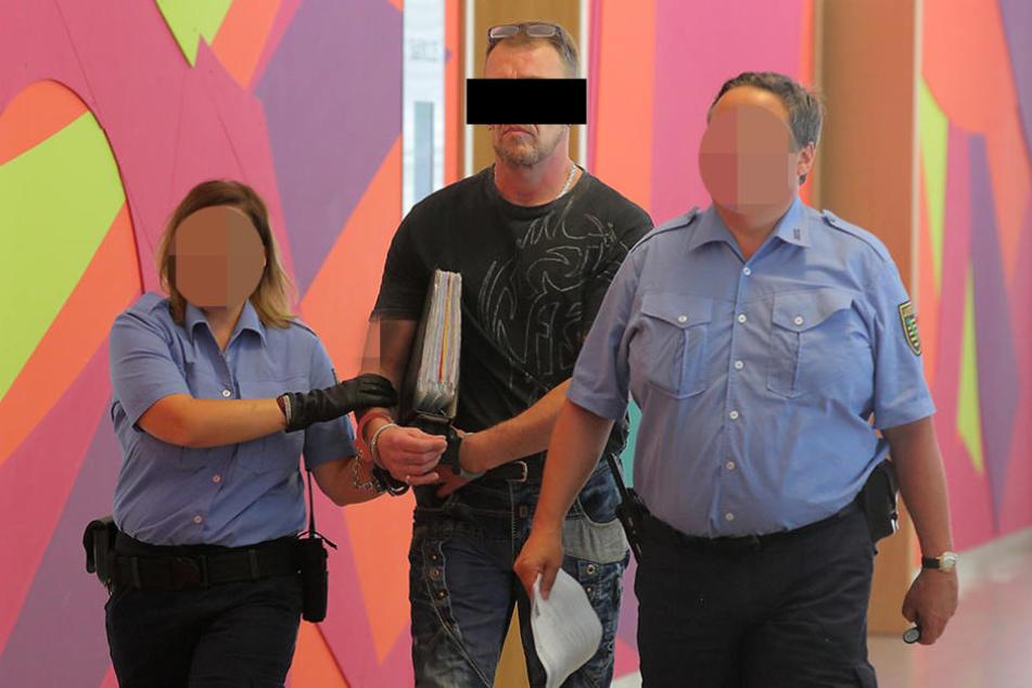 Der Serienkriminelle Bernd K. (55) prügelte seine Freundin mehrfach  krankenhausreif.