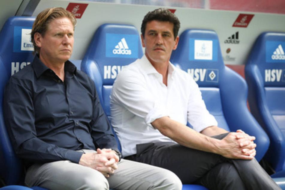 HSV-Trainer Markus Gisdol (l.) neben dem Sportchef Jens Todt. Letzterer hätte gerne die Bundesliga ohne Relegation.
