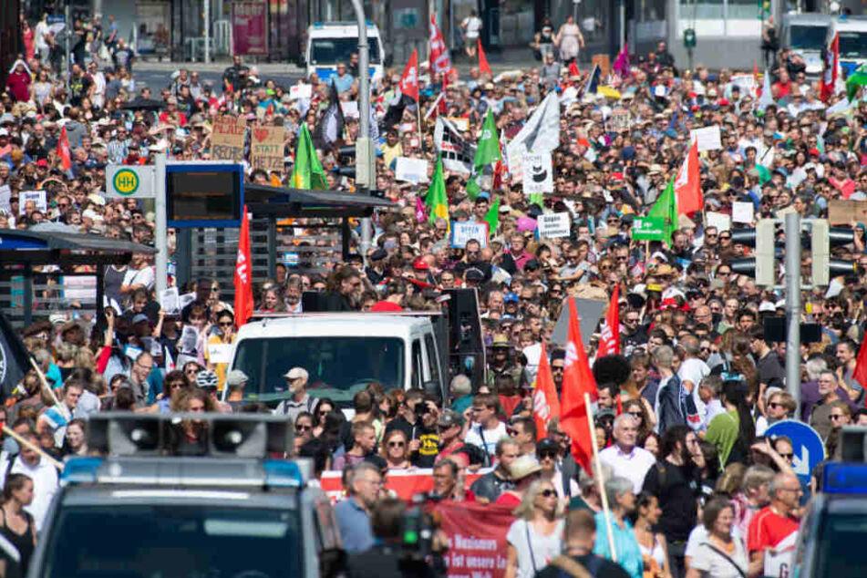 Tausende demonstrieren gegen Rechten-Demo nach Lübcke-Mord