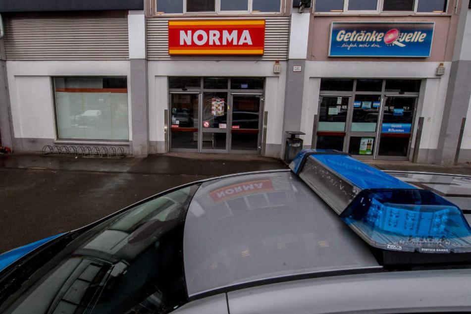 Der Norma-Markt in der Hugo-John-Straße ist überfallen worden.