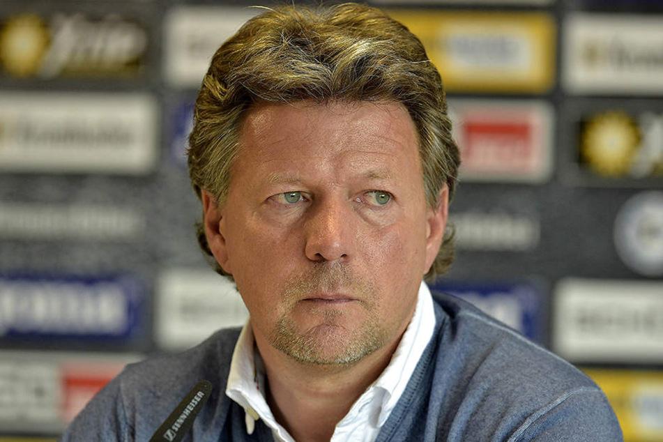 Jeff Saibene erwartet in Darmstadt eine Reaktion seiner Mannschaft.