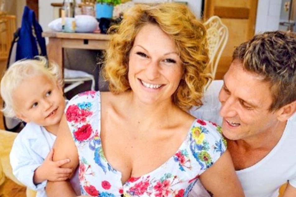 Janni und Peer Kusmagk zeigen Baby: Ein Detail lässt die Fans rätseln