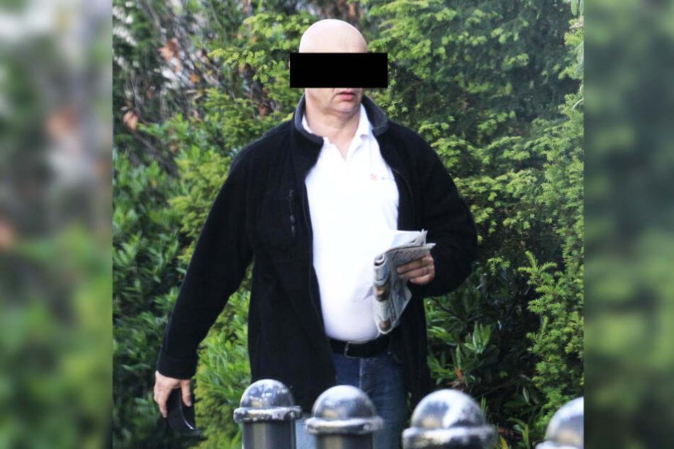 Ex-Bordell-Chef Helge W. (64) soll Geld für die falschen Polizisten verschoben haben.