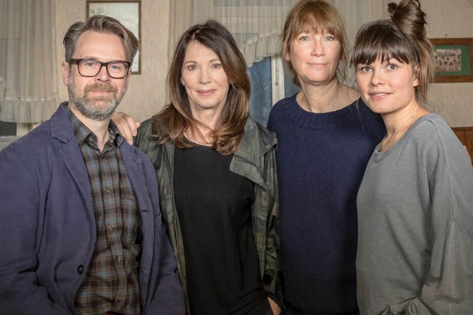 Von links: Matthias Matschke (Burkhardt Weißwerth), Iris Berben (Vera), Sherry Hormann (Regie) und Svenja Liesau (Anne).