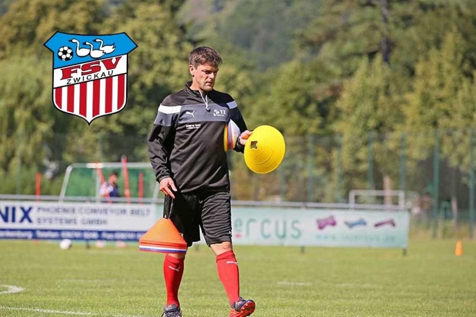 FSV-Coach Torsten Ziegner kann derzeit trotz laufender Fußballlehrer-Ausbildung im Training die Hütchen aufstellen.