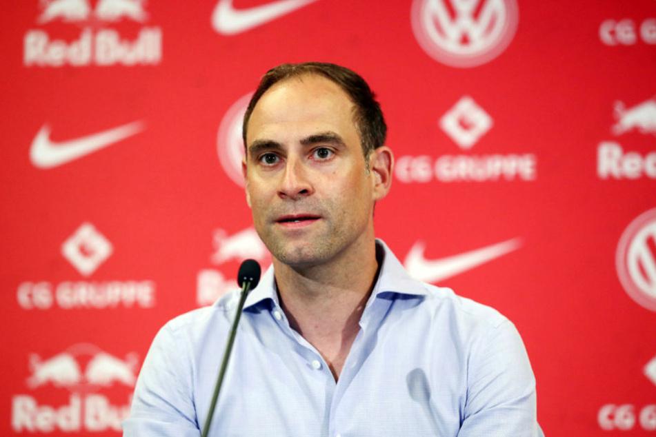 RB-Geschäftsführer Oliver Mintzlaff freut sich über die Zahlung der FIFA.