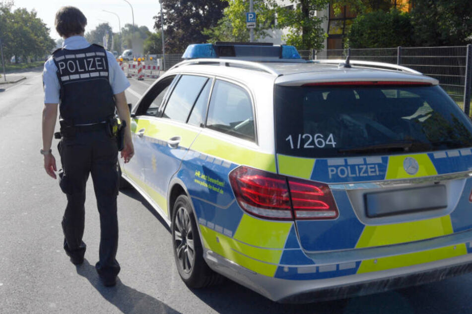 Die Polizei fahndet nun nach den beiden Tätern (Symbolfoto).