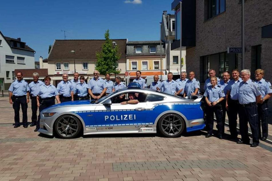 Wenn ein Bonner Polizist in den Ruhestand geht, sieht das so aus.