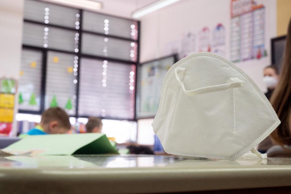 Bald wieder alles dicht? Linke, Grüne, SPD beraten über Corona-Politik an Thüringer Schulen