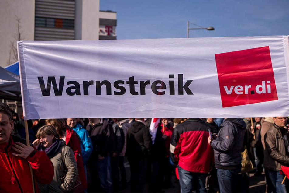 Die Gewerkschaft ver.di ist unzufrieden mit dem Tarifangebot der Uniklinik Leipzig und ruft die Mitarbeiter deswegen erneut zum Warnstreik auf (Symbolbild).