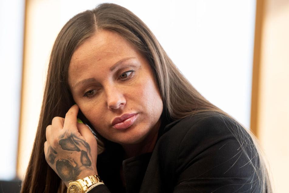 Bald muss Rapperin Schwesta Ewa eine zweieinhalbjährige Haftstrafe antreten.