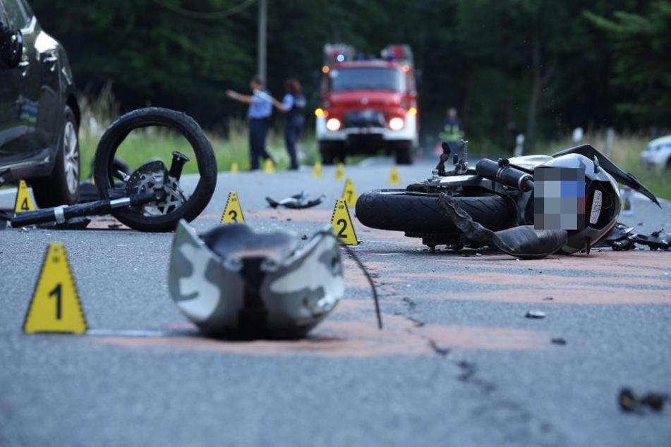 Die beiden Insassen des Renault kamen mit leichten Verletzungen und dem Schrecken davon.