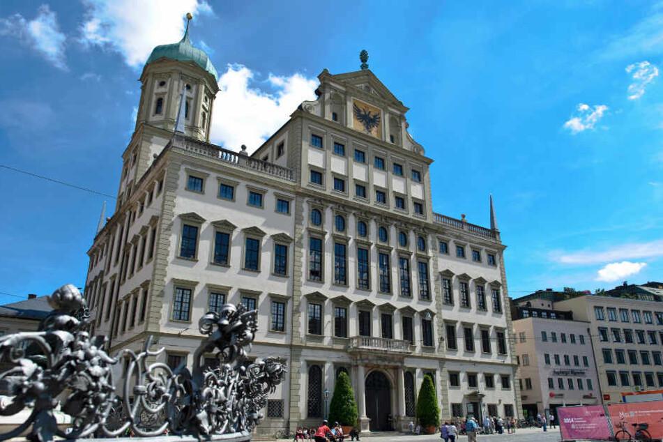 Auf dem Rathausplatz soll am Freitagabend bereits demonstriert werden.
