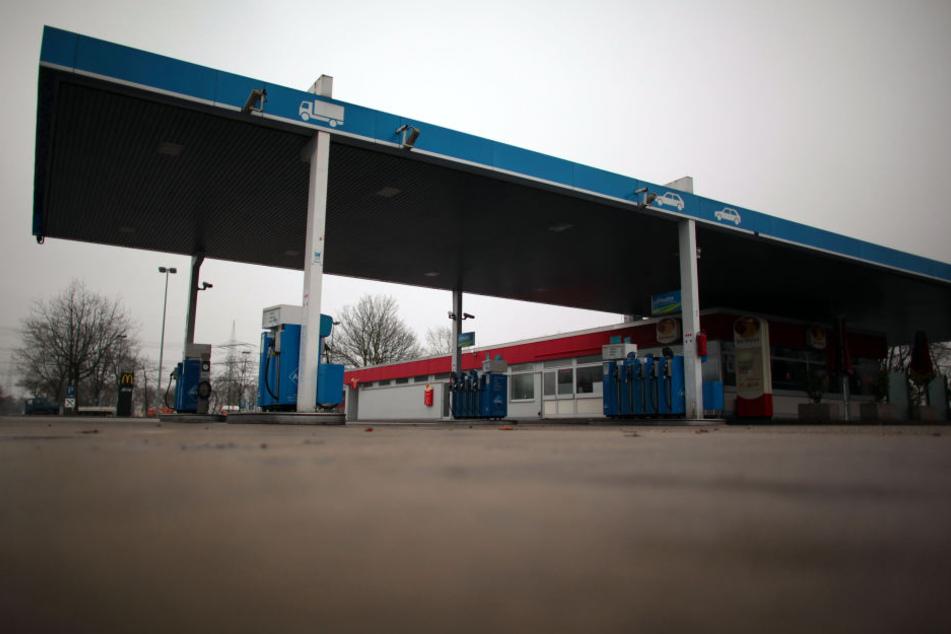 An einer Tankstelle wurden die Jungen erwischt. (Symbolbild)