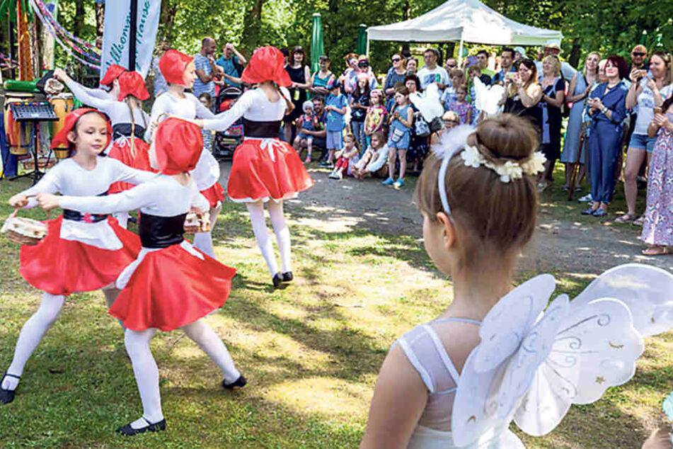 Beim Fest zeigte die Kindertanzgruppe Colorit russische Tänze.