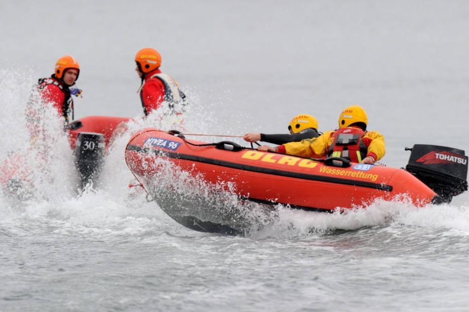Die Rettungsschwimmer müssen sich um viele Badeunfälle an der Ostsee kümmern (Symbolfoto).