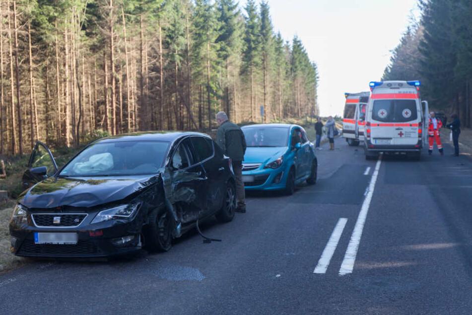 Der Honda war erst in den Seat und danach noch in den Opel gefahren.