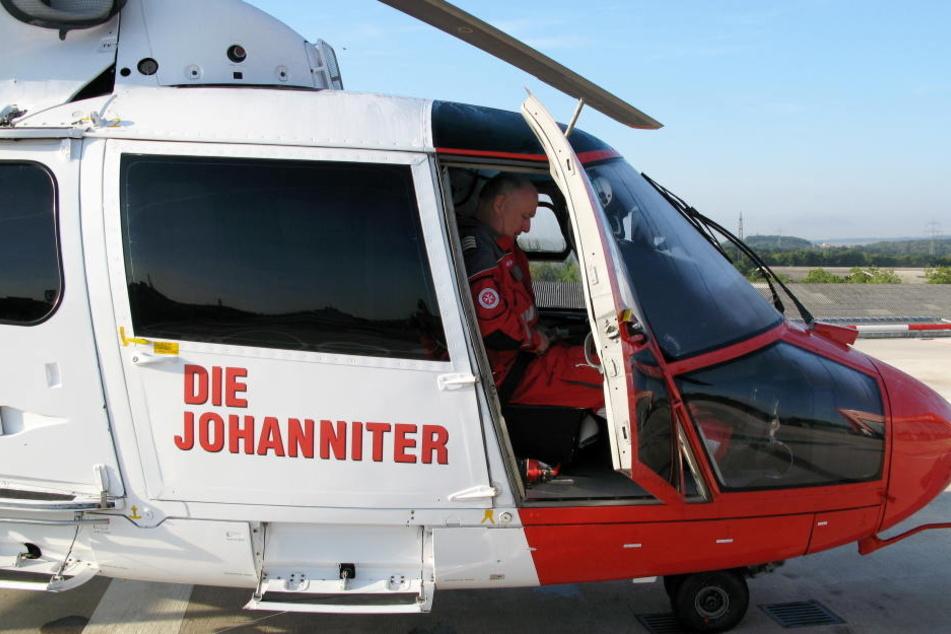 Der Mann war schwer verletzt und musste mit einem Rettungshubschrauber ins Krankenhaus. (Symbolbild)